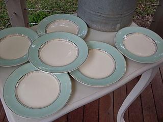 6 johnson bros sml plates